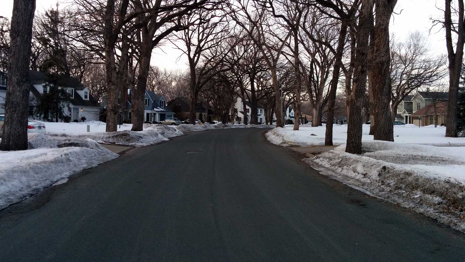 Oak Grove Boulevard, Richfield